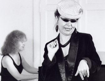 Christa Weber und Joan Schneider (Klavier)